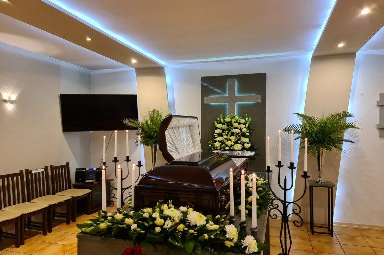"""Laidojimo namai Mažeikiuose, UAB """"Dangaus vartai"""", šarvojimo namai, visos laidojimo paslaugos."""